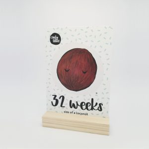 Pregnancy Milestone Cards - Week 32 - Front - Pine